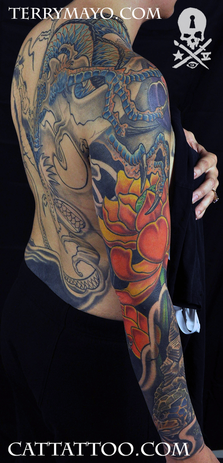 Tattoos - Dragon Grabbing Lotus - 93668